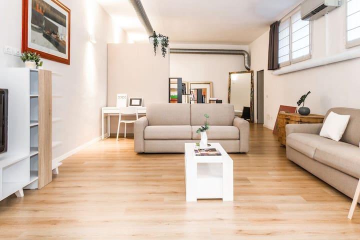 ALTIDO Vico Loft: Modern Style & Great Location