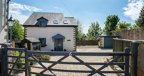 Fleming House - Cottage Style Converted Barn