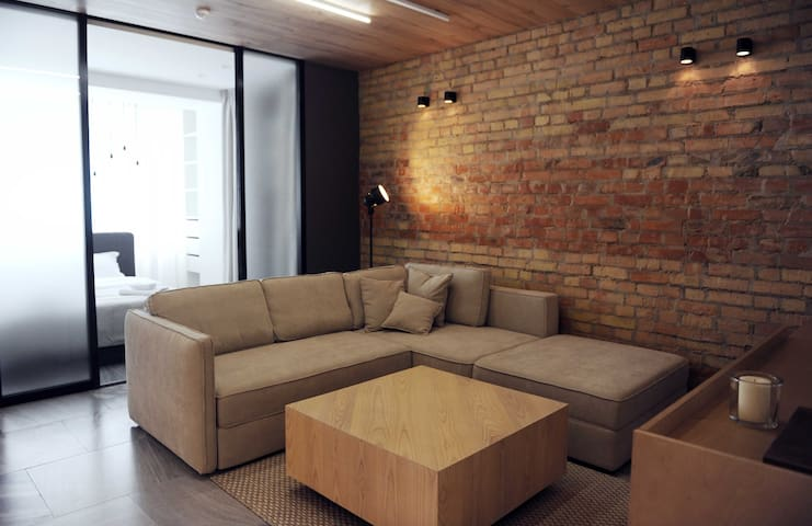 NEW Designer Loft in Kiev City Centre - Kijów - Apartament