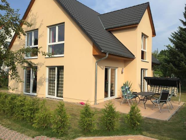 Einfamilienhaus - Berlim - Casa