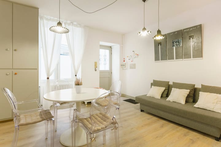 Lovely 40 sqm flat, 2 rooms, city centre