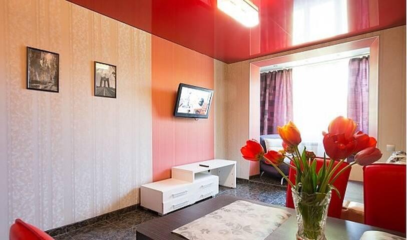 Bright 2room apartment! Center! Nauki Ave!