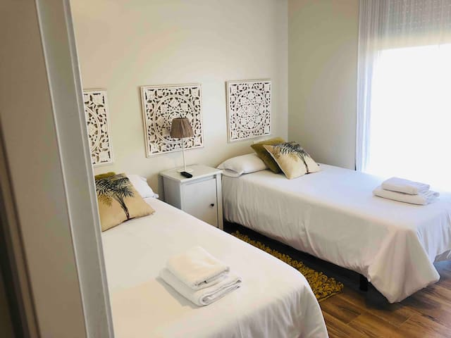 Dormitorio 2 con camas gemelas