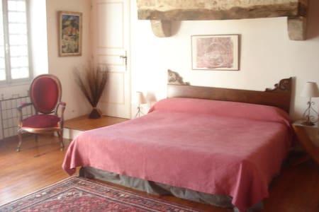 chambre proche Cahors et St Cirq Lapopie - Cremps
