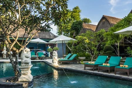 COZY & EASY Beach Huts Bungalow in Lembongan - Klungkung Sub-District