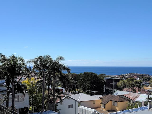 Ocean view, bright renovated apartment! Enjoy :) - Bronte - Apartament
