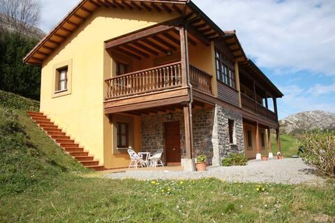 Casa Rural en Ribadesella (Asturias). Capacidad: 6
