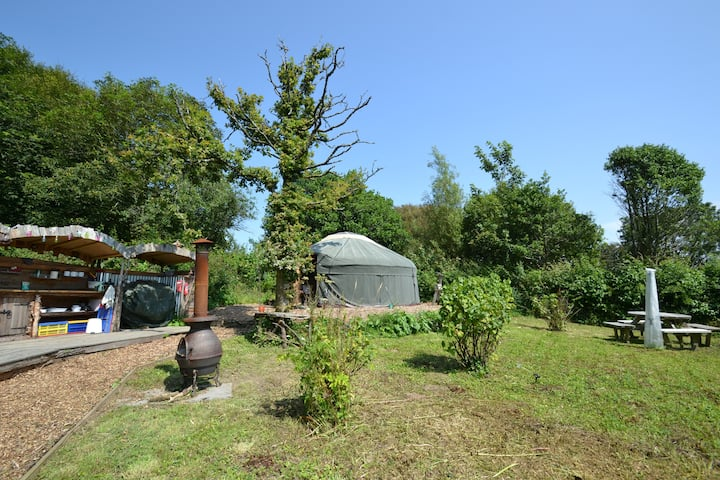 Private tranquil yurt on farmstead nr Woolacombe