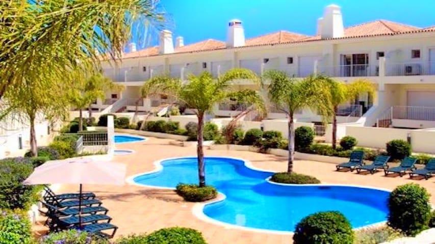 3 Bedroom, Luxury Holiday Villa Fonte Verde, Boliqueime Vilamoura, Golf nearby.