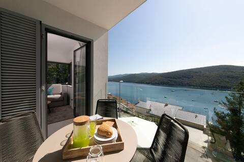 Premium-huoneisto Kanat III kauniilla merinäköalalla