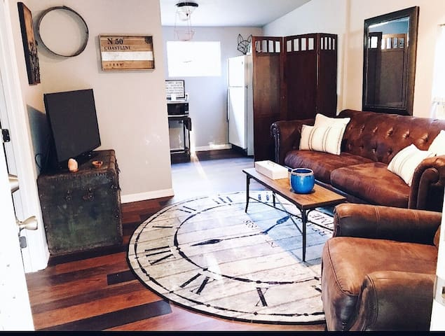 Newly renovated tiny home/cottage