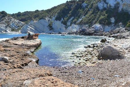 Disfruta  del pueblo más bonito del Mediterráneo - จาเวีย
