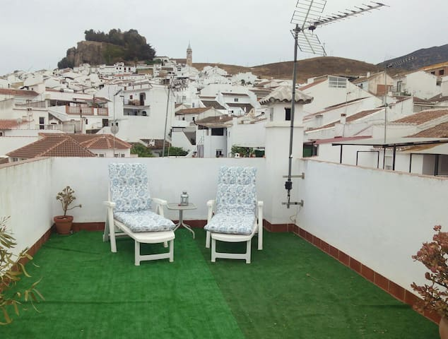 Lovely Apt Nr.Caminito,lakes & wifi - Ardales - Appartement