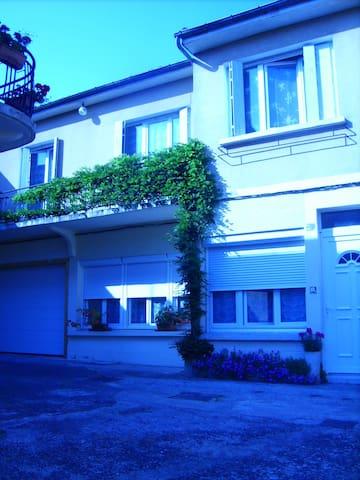GITES DU CERF - Belvès - Apartemen