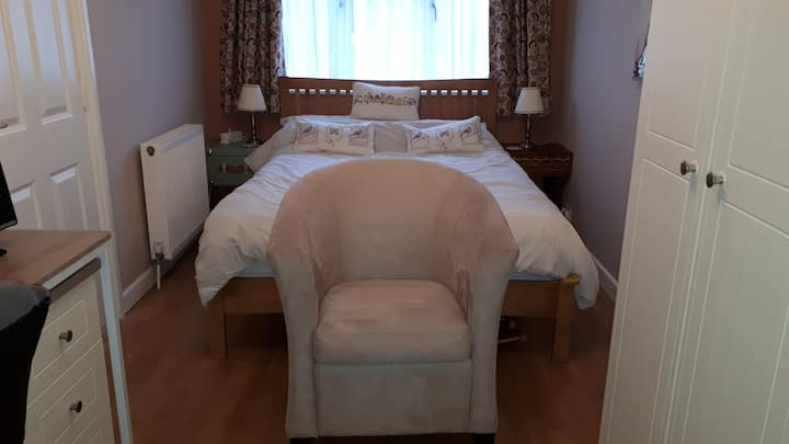 Self catering kitchenette, large double room