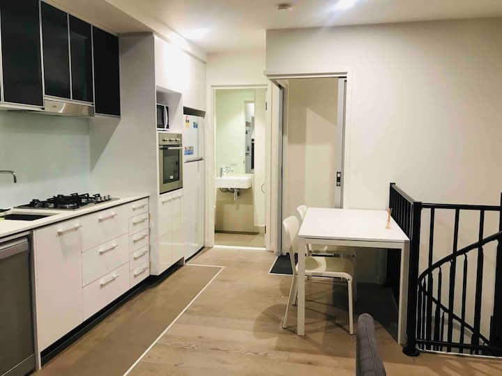 Amazing two bedrooms loft at southern cross