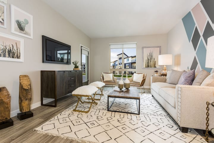 Fully equipped apartment home | 2BR in Arvada