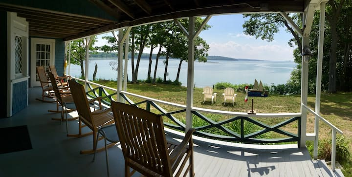 Spacious poperty located on a private, waterfront peninsula with multiple cottages - Great for large groups and multiple families!