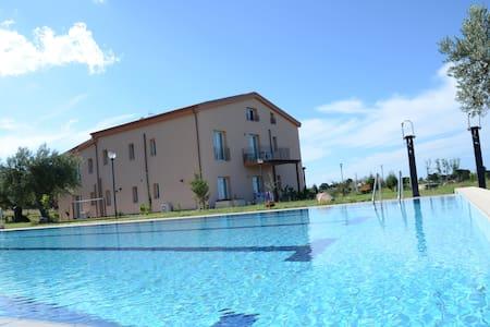Case Mistretta (COTOGNO) - Altavilla Milicia, Italia