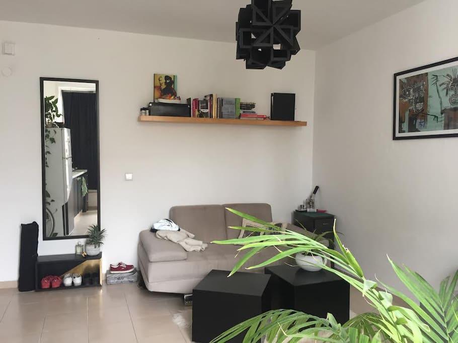 Studio: Living-room