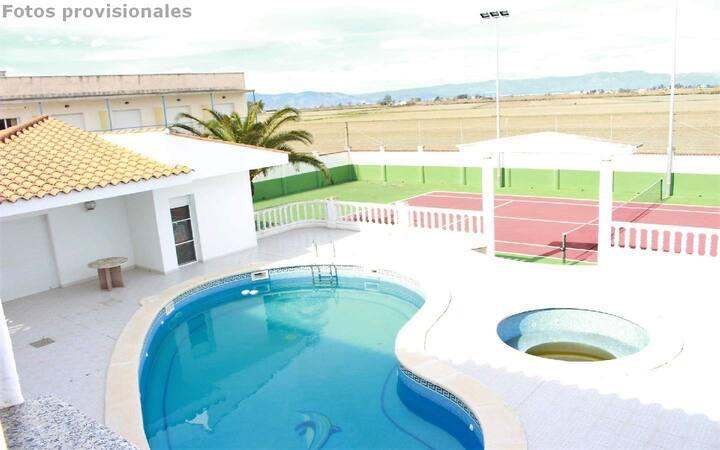 Casa para 8 personas con piscina privada y tennis