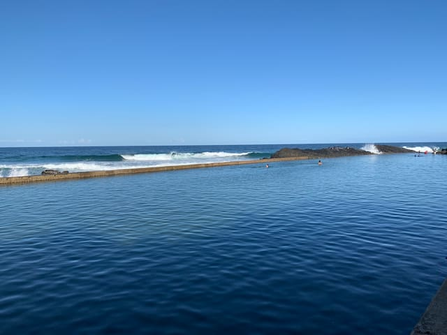 Santorini Beach Holiday Home **Family Friendly **