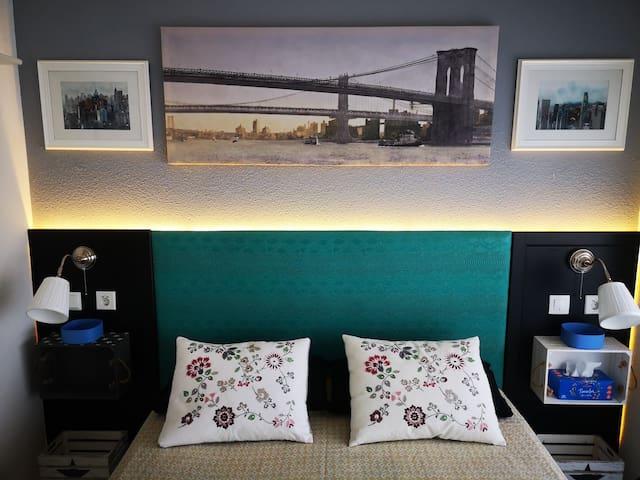 Barcelona Peaceful Suite with Bathroom & Terrace