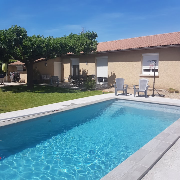 Maison de p.pied (115 m² hab)4 chbres et piscine