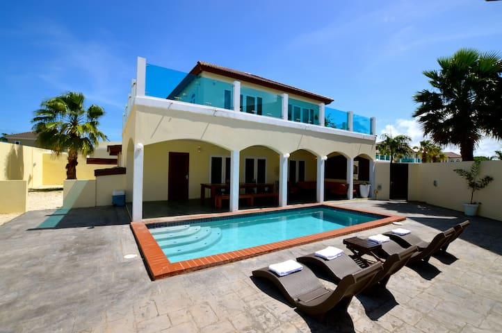 Large Modern Villa with Private Pool TOP location!