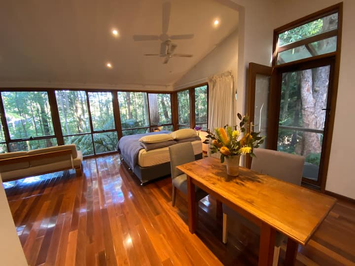 Sublime Studio in Austinmer with a rainforest view