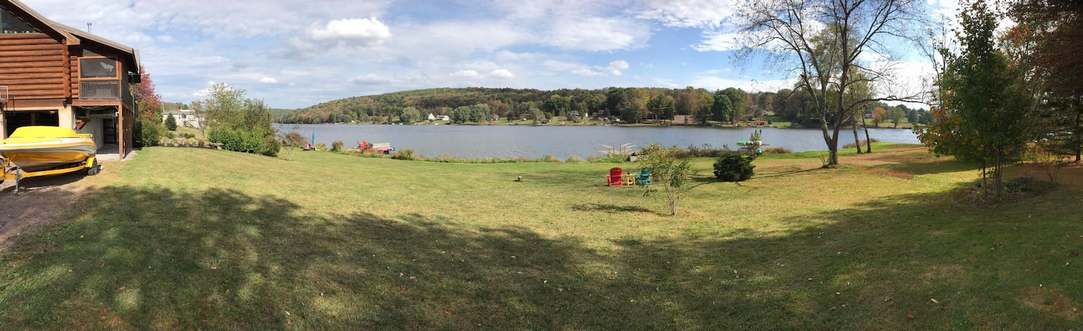 Private lakefront suite on Shickshinny Lake