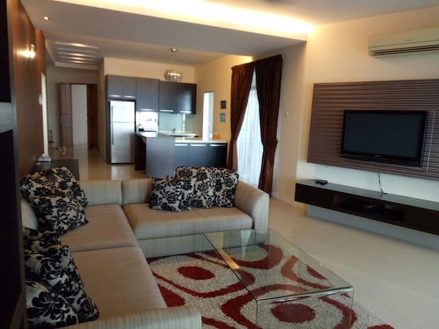 Luxury 3BR condo stunning view - Gelugor - Wohnung