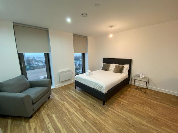 Great New Studio Flat - Stunning Panoramic Views