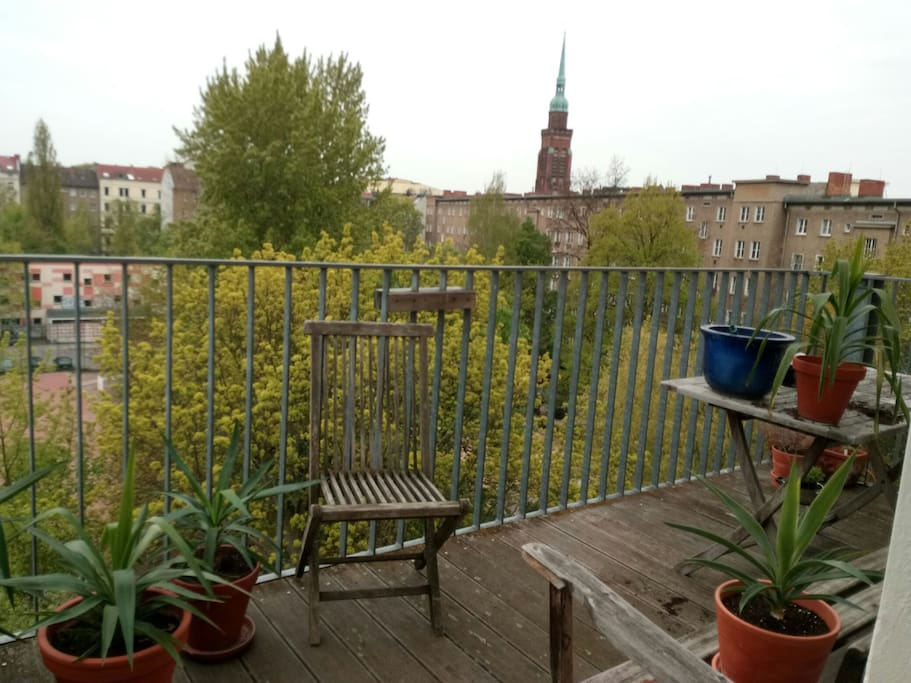 South balcony. Südbalkon.  10m²