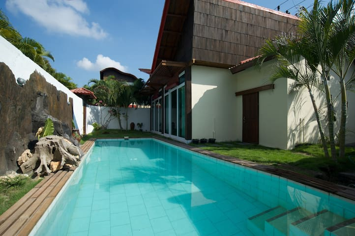1 Bedroom Private Pool in Seminyak - kuta  - Dům