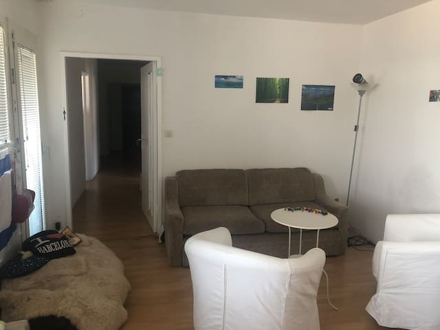 Big and nice room in the center of Berlin!!