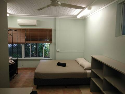 Cairns house Room 4