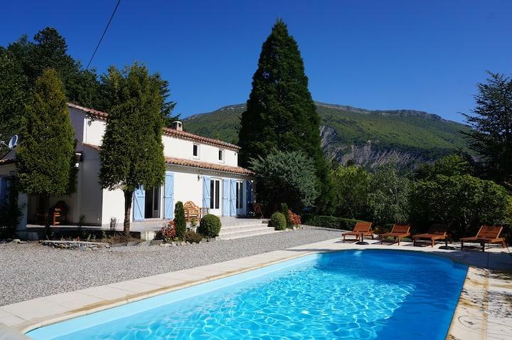 Belle Gite avec piscine chauffée Vacances d'hiver
