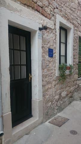 Apartment Baksaj - Prvić Luka - Haus
