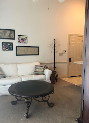 Convenient 1-Bedroom Apartment w/ Private Entrance