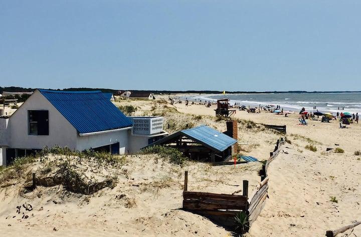 Anju y el mar: Descansar con el ruido de las olas