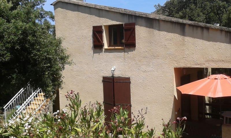 FARINOLE CHARMANTE MAISON CORSE 85 m2 avec Jardin
