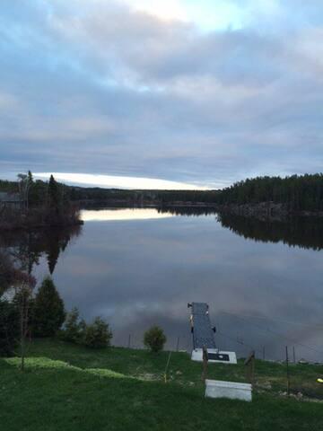 Grande maison au bord du Lac Cameron - Saint-Eugène-de-Guigues - Dom