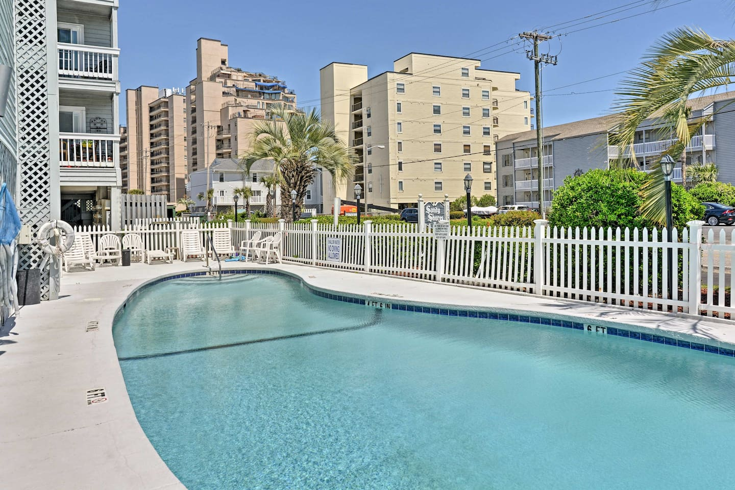 Your dream getaway begins at this vacation rental condo in Murrells Inlet!