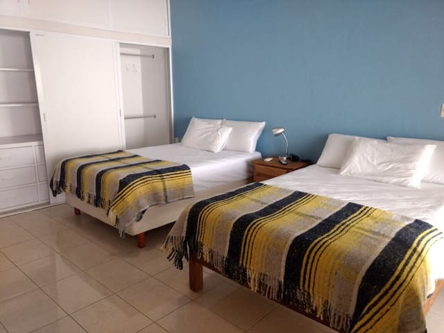 HOSTAL LEÓN, habitación privada del WERO