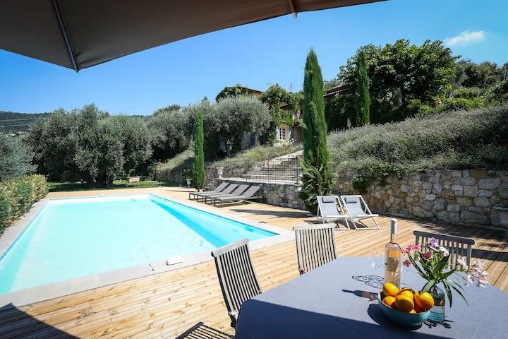 Provencal villa - sea view - pool - large garden