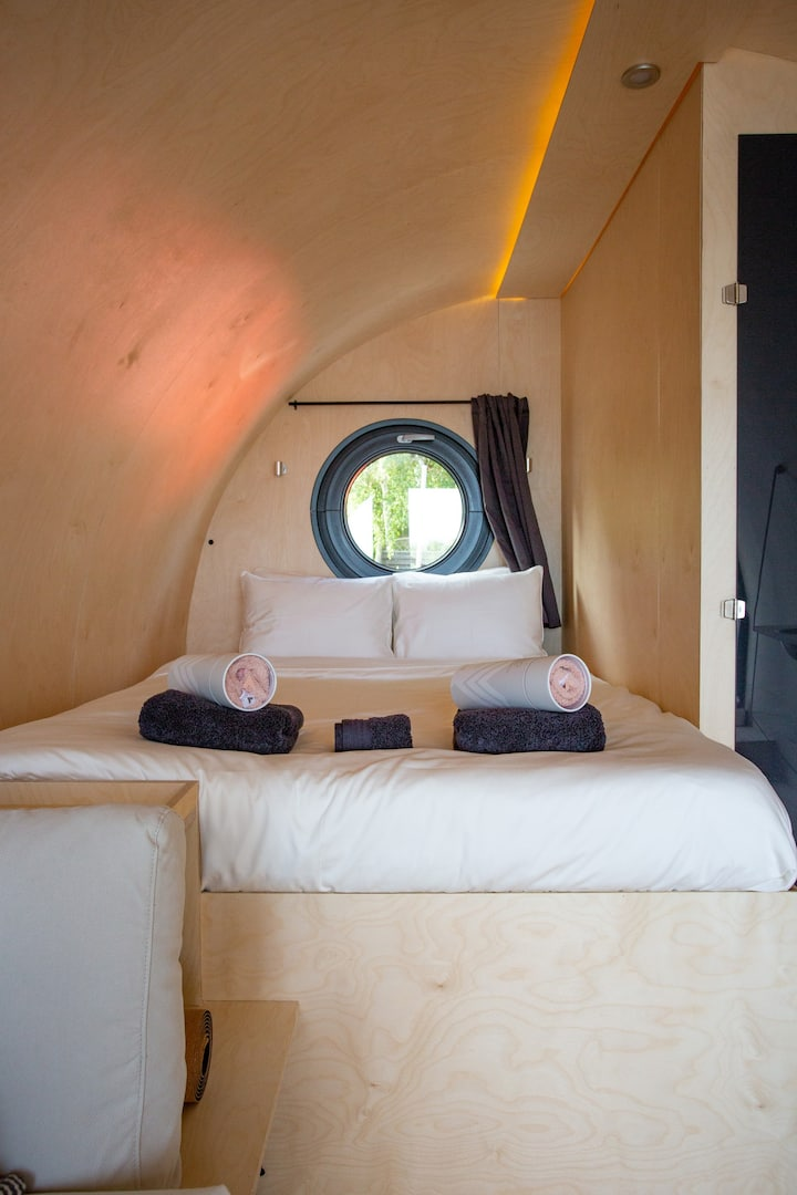 Eco luxury glamping floating suite - SKALPOD