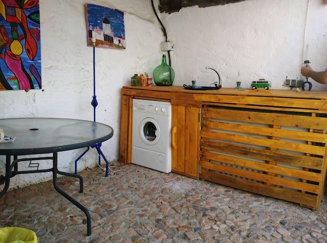La Casa del Burro. Criptana.Sierra de los Molinos - Campo de Criptana - House
