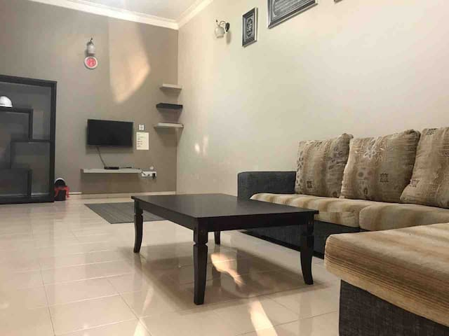 Mimi Guest House ~ 2 Aircond, Wifi & astro HD