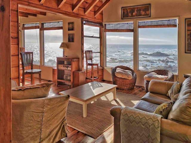 Dos cabañas frente al mar en condominio privado